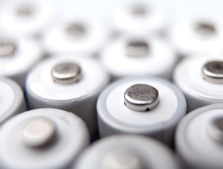 lots-of-aa-rechargeable-batteries-P9ZQKU8